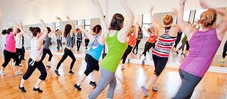 adult dance fitness at pinnacle